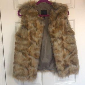 3 for 30$ 🤑 Faux fur vest